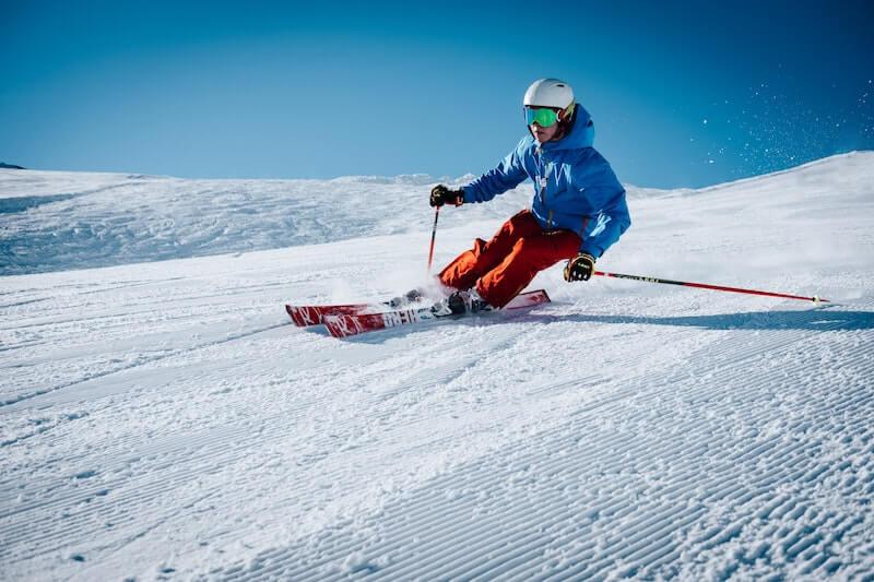 Grenzgaenger Schweiz Skifahrer Header IMage